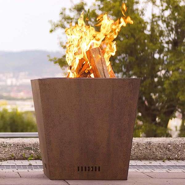 Holzfeuerstelle aus Corten