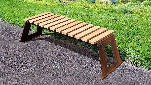 Sitzbänke mit Holzauflage Douglasie